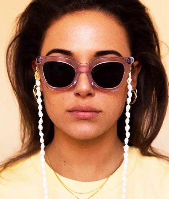 brillenkoord-schelpen-zonnebriltrends-cordholder-movastyling