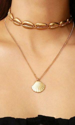 ketting-cowrie-schelp-goudkleur-twee-laags-sieraad-boho-movastyling