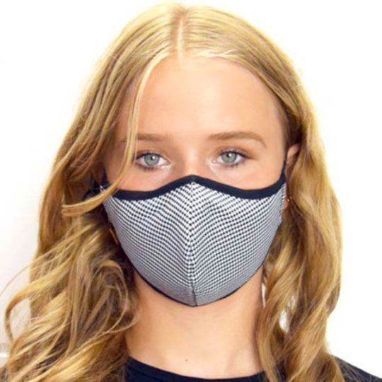 mondkapje-wasbaar-model-17-zwart-wit-print-movastyling