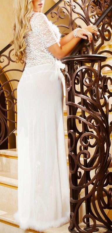 nachtrobe-achterkant-kortemouw-wit-veertjes-long-nightgown-setje-thong-movastyling