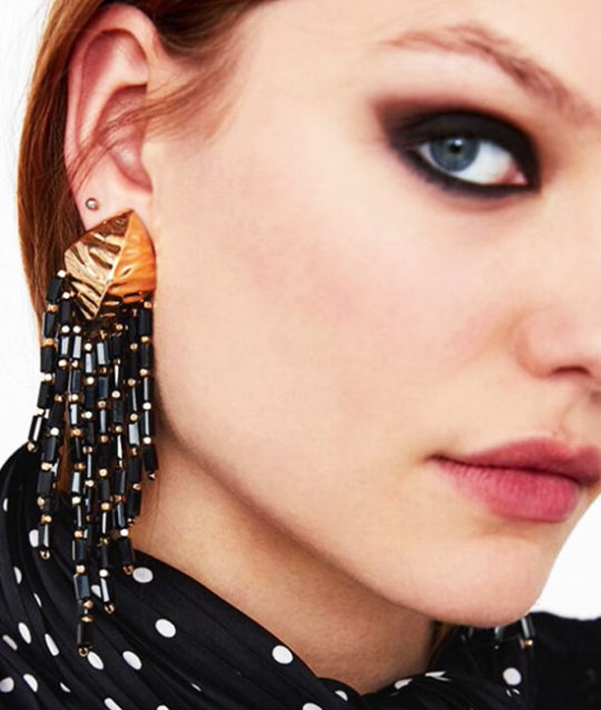oorbellen-earringset-shell-drop-earrings-sieraden-bijoux-schelp-goudkleur-gold-black-zwart-model-movastyling