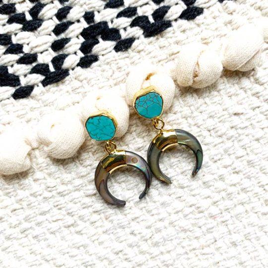 oorbellen-half-blue-moon-bone-crescent-goudkleur-oorhanger-movastyling