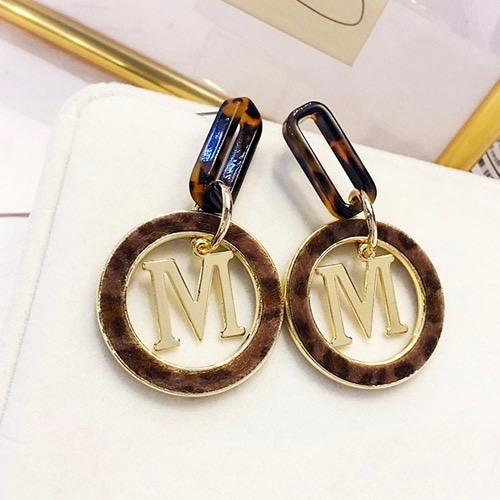 oorbellen-luipaardprint-dierenprint-earrings-leopardprint-logo-M-gold-animailprint-movastyling