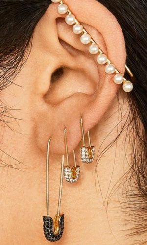 oorbellen-safetypin-earring-punk-fashion-black-strass-gold-movastyling